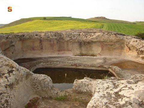 Sardegna DigitalLibrary - Immagini - Pimentel, domus de janas di S'Acqua Salida