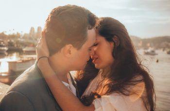 O que é a doença do beijo?