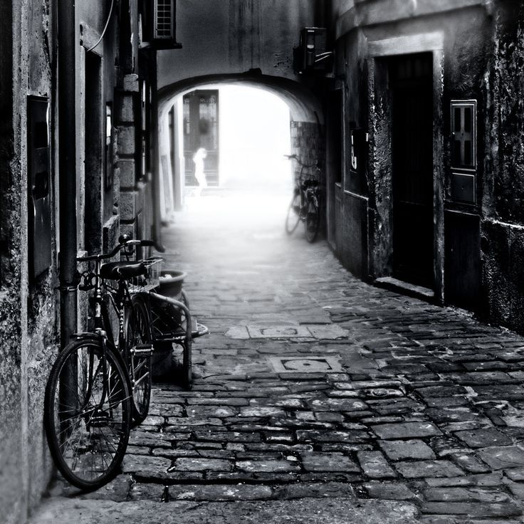 Ghost metering by Dragan Todorovic #alley