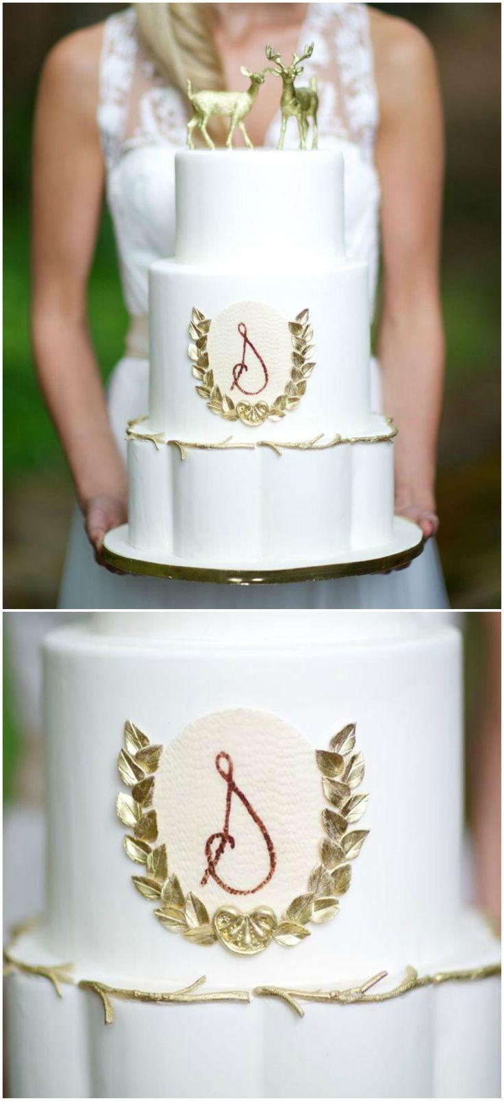 Wedding cake, gold deer cake topper, cursive S, gold leaves, white fondant // Arden Photography