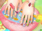 Vuoi delle mani vellutate e ben curate, con decorazioni alle unghie all'ultima moda? Segui il procedimento e rimarrai soddisfatta del risultato. Le tue amiche ti invidieranno!