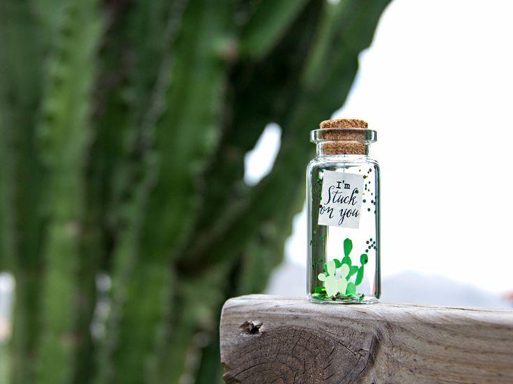 I'm stuck on you. I miss you. You are Succulent. Te quiero. Mensaje en una botella. Miniatura Regalo personalizado. Divertida postal de amor de EyMyMessage en Etsy