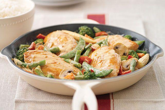 Use this garlic chicken recipe to make Creamy Garlic Chicken in just 20 minutes! Did we mention this garlic chicken recipe is Healthy Living, too?