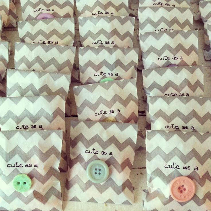 DIY Cute As A Button Baby Shower Favours. Chevron Bags Filled With Pacifier  Candies.