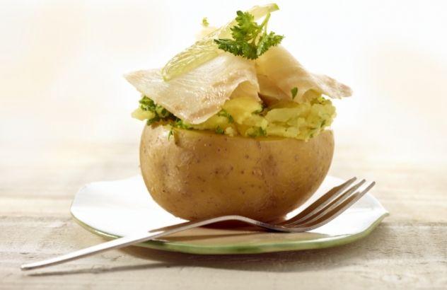 Gevulde aardappel met gerookte paling en heilbot