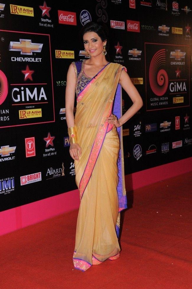 Karishma Tanna #Bollywood #Fashion