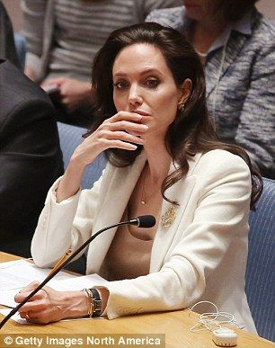 Angelina Jolie rips world powers on Syria's refugee crisis #dailymail