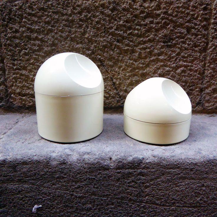 Frascos de baño diseño de Makio Hasuike, 70s Pareja de envases de plástico de…