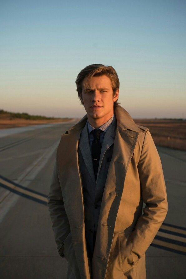 Lucas Till in CBS Watch! Magazine for the Macgyver reboot
