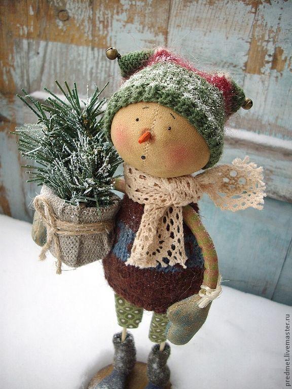 27.12.2012   Работа дня: Снеговик Torsdag (Четверг).   Сшит из хлопка, ароматизирован корицей и ванилью, пахнет праздником :-)   $82