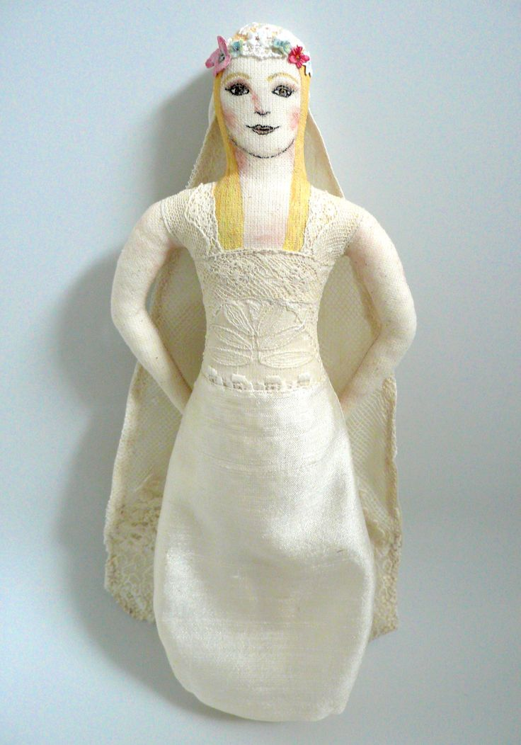 Mariée champêtre, art doll, poupée d'art, tissu de récup, _ Un Radis m'a dit - Boutique : https://www.etsy.com/fr/shop/UnRadisMaDit