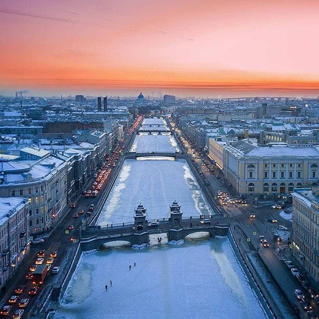 Colorful sunset over a river Fontanka. In the winter they like to walk on the ice through the canals. Photo by: Zefiovm -------------- Follow us @russianminiatures if you love glass figurines! Made in  Russia St. Petersburg.Worldwide shipping. Update pictures everyday ! -------------- Follow us on: - https://goo.gl/NKk858 -------------- #russianminiatures #handmade