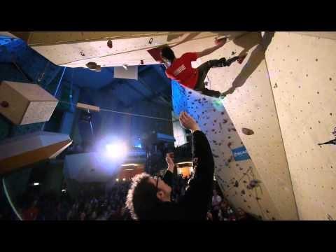 """Es ging um den größten Kletterwettkampf Deutschlands,   die """"Hardmoves BoulderLeague"""", eine unabhängige Vereinigung Deutschlands bester Boulder- und Kletterhallen. Im Winter 2010/2011 wurden in 13 Hallen im Rahmen eines Qualifikationsmodus die besten 10 Boulderer und Boulderinnen gesucht, welche ihre Halle im Finale als Team vertreten.  Am 5.3.2011 trafen nun die 13 Teams aus den Hallen aufeinander und versuchten die Hardmoves Boulderleague zu gewinnen."""