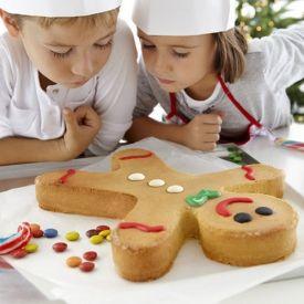 Mega grote Gingerman cake!  Leuk om samen te versieren en nog van een top merk (Lékué) ook!  €22,90 Kijk snel op www.kleinechef.com