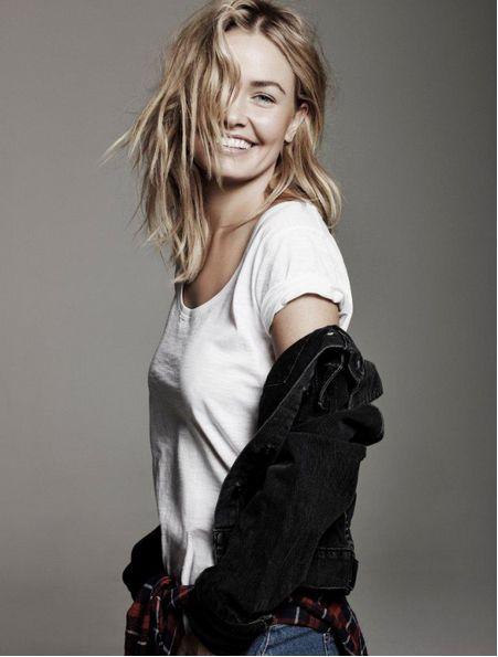 lacrisalideinversa: white T & black cardigan W/ jeans...