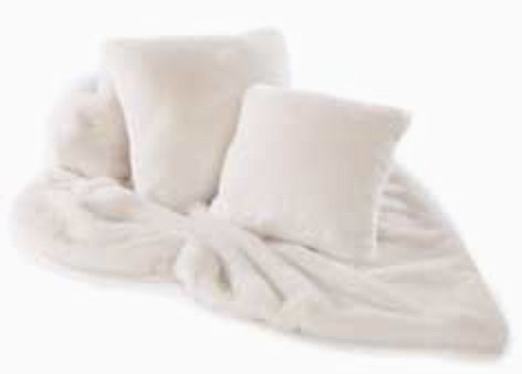 Luxury faux fur throw in cream plush design with cream for Fur throws for sofas