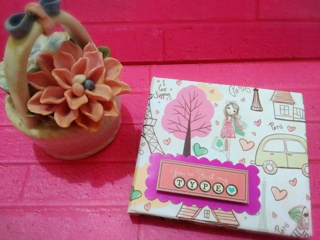 Really love handcraft esp with paper. Already made this cute memo holder. Luv it ^^