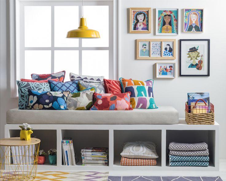 Los cojines son el complemento ideal para cualquier sofá, por eso en Casaideas encontrarás la más amplia variedad para tu casa.