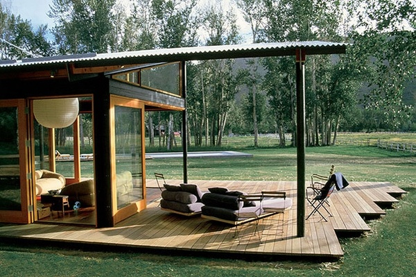 great way to extend the cabin and have a covered space