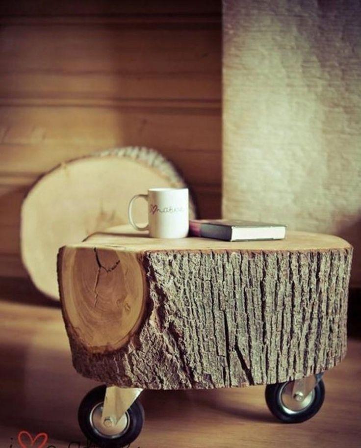 Beistelltisch mit Rollen aus großem echtem Baumstamm