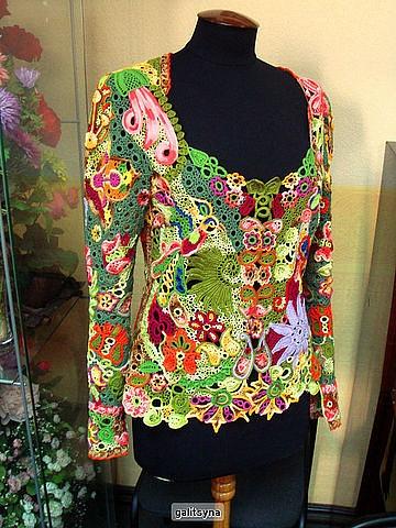 beautiful crochet top *very hippy!!* :D