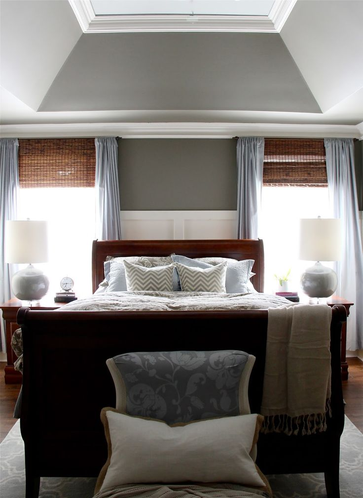 master bedroom tray ceiling ideas best 25 bed between windows ideas on 19166