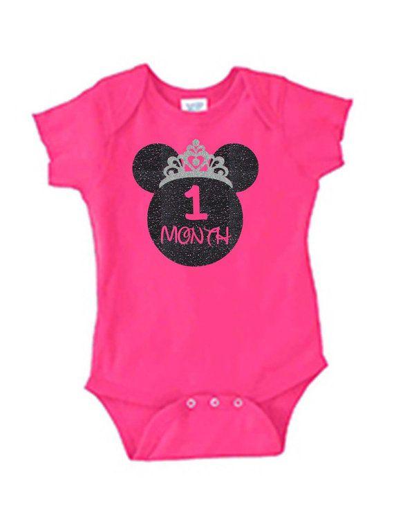 1 mois vieux Disney Princesse Onsie Body tenue.  Bébé d'anniversaire fille Disney Princesse tenue.  Chemise cadeau d'anniversaire premier Disney. Personnaliser