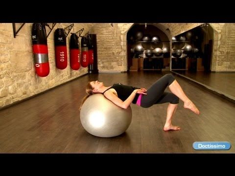 Muscler son dos : exercices avec Swiss ball - YouTube