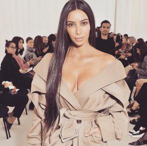 Dezesseis pessoas são presas em Paris por roubo de joias de Kim Kardashian #Clipe, #Descoberta, #Desfile, #DNA, #Erro, #Facebook, #Famosos, #Grupo, #KimKardashian, #M, #Moda, #Mulheres, #Noticias, #Nova, #Paris, #Programa, #Rapper, #Reality, #Show, #True, #Tv, #Twitter http://popzone.tv/2017/01/dezesseis-pessoas-sao-presas-em-paris-por-roubo-de-joias-de-kim-kardashian.html