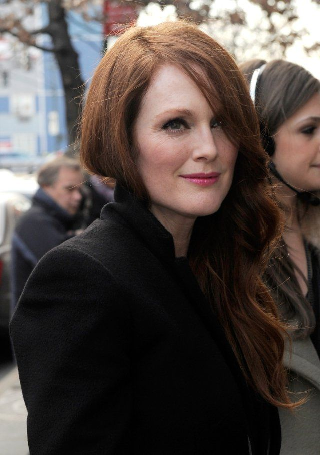 ✕ Must buy this lip color! Fellow redhead Julianne Moore is striking, yet again… / #style #beauty