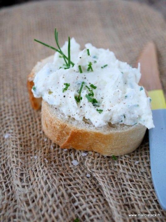 Fromage frais fait-maison type Carré Frais, rapide et facile à faire !