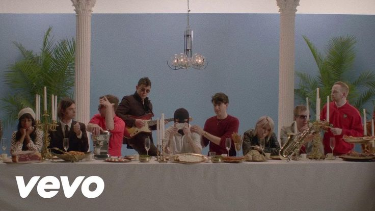 Vampire Weekend - Diane Young - YouTube