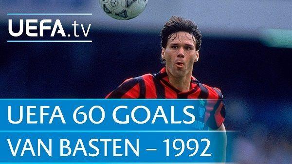 Holenderski napastnik tak pokonał bramkarza IFK Goteborg • Marco van Basten strzelił takiego gola przewrotką w Lidze Mistrzów >> #vanbasten #acmilan #milan #football #soccer #sports #pilkanozna