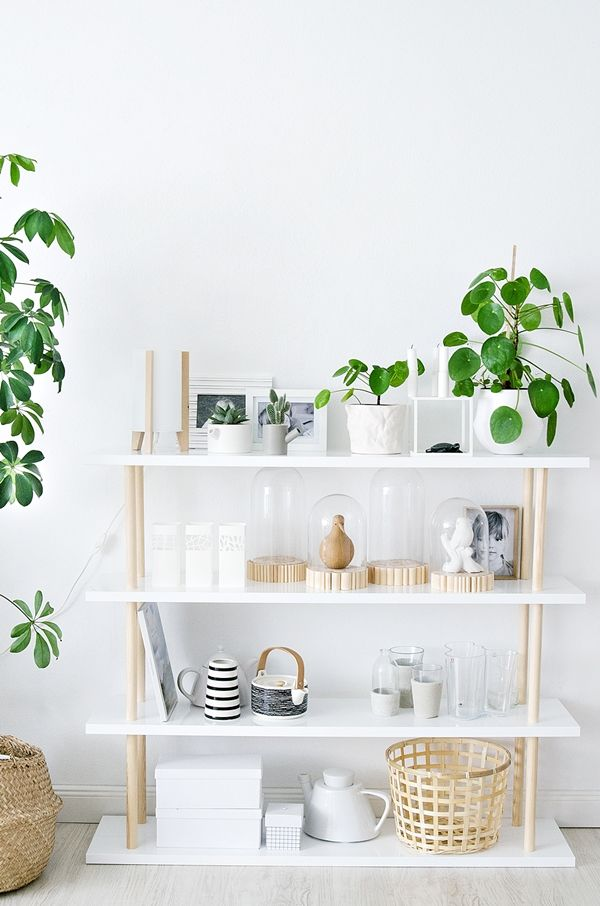 DIY Shelf with white shelving and wooden rods (German blog) | Regal aus Rundhölzern