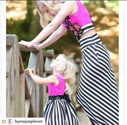 alcheracom#GPRepost,#reposter,#notetag @bymayasplanet via @GPRepostApp ======> @bymayasplanet:Mutlu Cumartesiler🙋🏼 Anne kız uyumumuz bir harika degilmi🙈💕 Alchera' nin bu sene ki Floral Dreams koleksiyonu ile bir ilk yaparak anne ile birebir ayni olan Mom&Kids koleksiyonu cikardigini biliyormuydunuz! Ve pek yakinda online satis sitesi aciliyor, oradan tüm modelleri inceleyebilir ayni zamanda da satin alabilirsiniz. Sevgiler... 👉🏻 @alcheracom 👈🏻✌🏻️ #alchera #alcheracom…