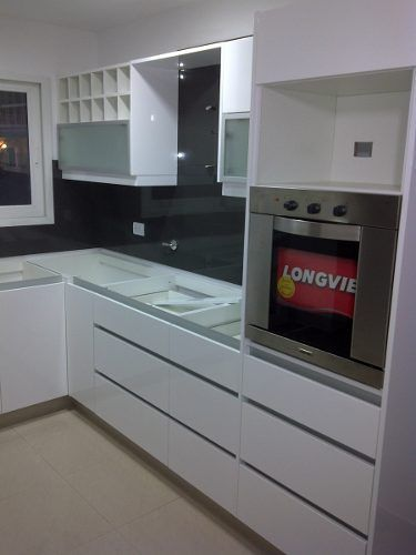 Muebles de cocinas bajo mesadas alacenas placares1 for Diseno de cocinas argentina