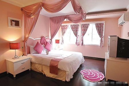 Hello Kitty bedDreams Bedrooms, House Design, Beds, Girls Room, Dreams Room, Hellokitty, Pink Bedrooms, House Interiors Design, Hello Kitty Bedroom