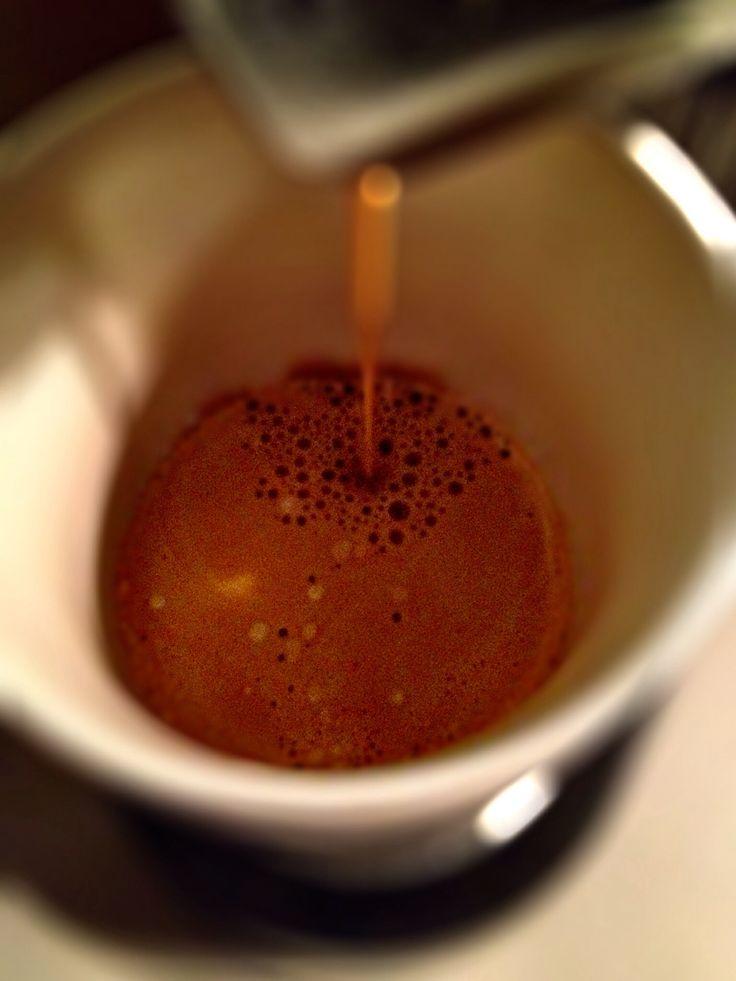 Guten Morgen…in den tiefen der Kaffeetasse braut sich ein #Arpeggio #Kaffee von @Nespresso zusammen