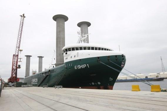 Zeilschip met Flettner-rotors
