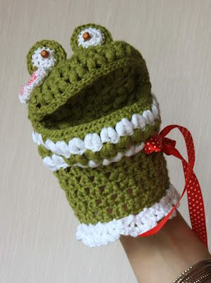 Knitting and fabulous world of Marita: Frog Vacca - children cleansers nettle (and / or toy bibabo)