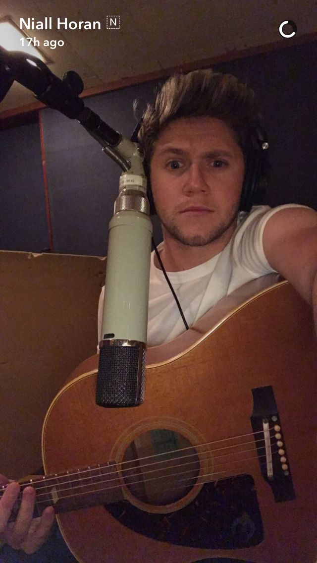 Niall Horan on snapchat 11/9/16