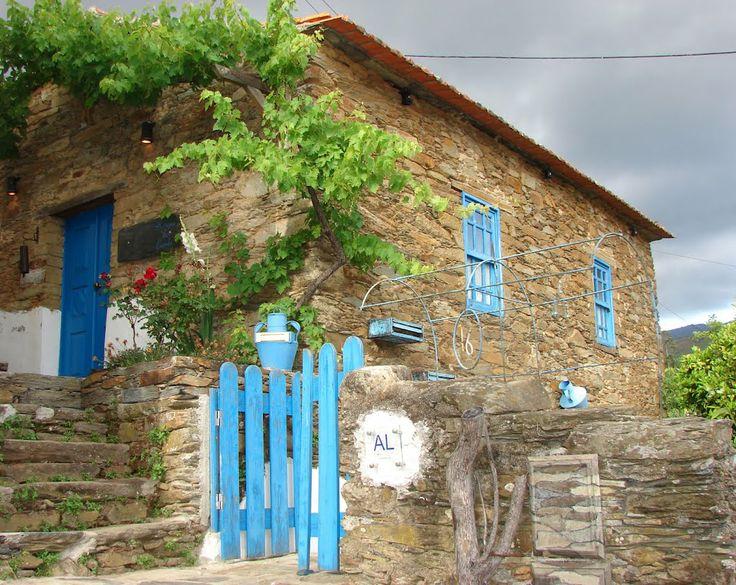 Refugio da Estrela (Alvoco da Serra foto: Manuel Antonio)