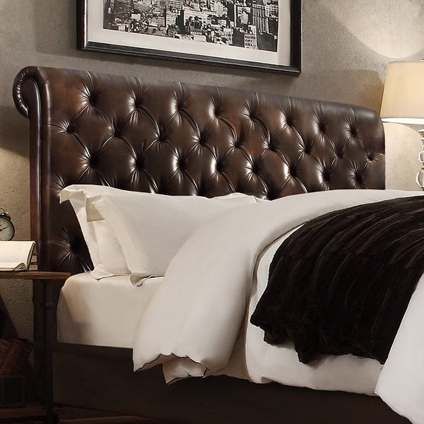 Signal Hills Knightsbridge Rolled Top Tufted Chesterfield