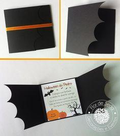 Convite infantil para festa de halloween/ dia das bruxas. O convite é confeccionado em papel canson preto e impresso em filicoat branco, fechamento com fita de cetim. Medidas do convite fechado: altura 10,5cm x comprimento 11cm Medidas do convite aberto: altura 10,5 cm x comprimento 29,5 cm Fazemos outros temas e cores. * O valor é referente a 1 unid de convite. * Pedido minimo é de 30 convites. R$ 4,00