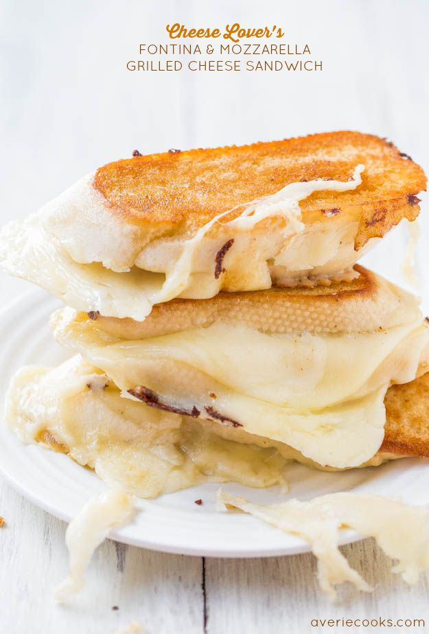 Cheese Lover's Fontina and Mozzarella Grilled Cheese Sandwich - Warm, gooey comfort food at its finest! Best & cheesiest grilled cheese ever...