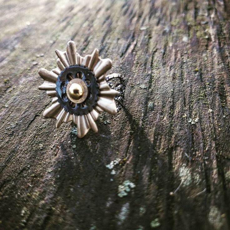 First pick for IG folks! This is a handmade 1inch cocktail ring made of vintage brass parts. Its fully adjustable to fit you. $30 including shipping to the U.S.  First person to message me with their email for an invoice takes all! Papercranest.com  #cocktailring #picoftheday #handmadelife #brassjewelry #upcycledart #bohojewelry #accessories #handmadenation #instadaily #makersbiz #wanderlust #creativelife #forsale #gifts #creativegifts #steampunk #steampunkfashion #christmasgifts Steampunk…