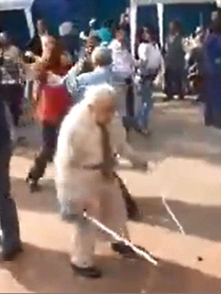 Das Video zeigt den neuen Party-Opa! Auf der Tanzfläche wirft er einfach seine Krücken weg- und tanzt mit den Gästen um die Wette!Dieses