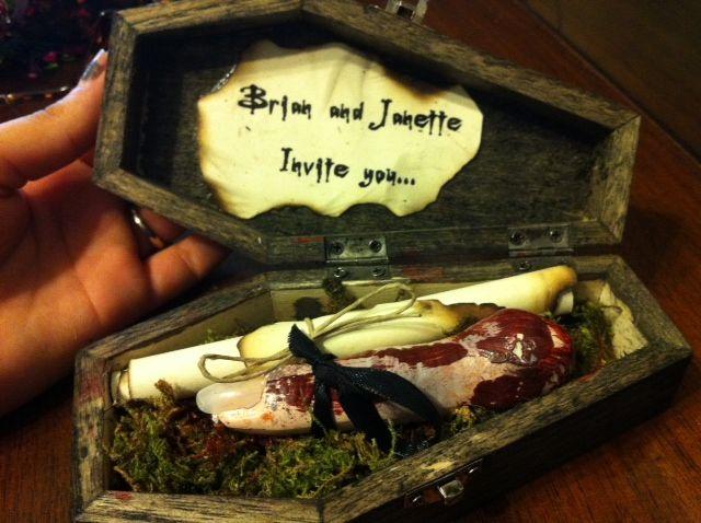 Halloween Zombie Wedding How to : Invitations