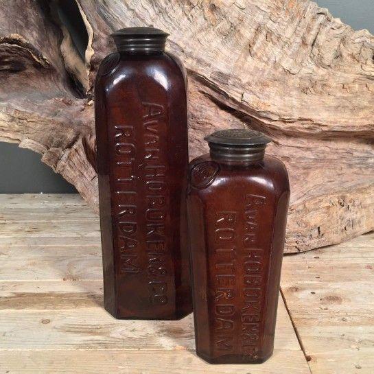 Σετ γυάλινα μπουκάλια με μεταλλικό καπάκι σε καφέ μελί χρώμα για να διακοσμήσετε τον χώρο σας.Το NEDAshop.gr υποστηρίζεται από το κατάστημα μας όπου μπορείτε να δείτε όλα τα αντικείμενα από κοντά.Το κατάστημα μας βρίσκετε: Λεωφόρος Θηβών 503 Αιγάλεω http://nedashop.gr/Spiti-Diakosmhsh/gyales/set-gyalina-mpoykalia-metalliko-kapaki