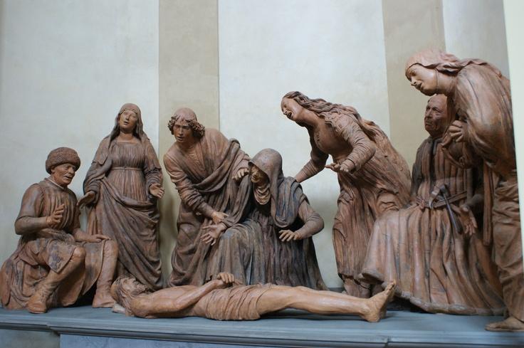 Compianto su Cristo morto- Terracotta policroma- G. Mazzoni, 1477/79: http://sandramaccaferri.blogspot.it/2012/04/compianto.html